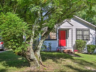 NEW! Cozy Cottage ~2.5 Mi to Downtown Attractions!