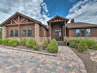 NEW! Show Low Resort Townhome w/ Golf Membership!