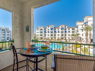 Waterviews, Pool and Canal Resort Condo at The Cays in Ocotillo! 30 Nights Minim