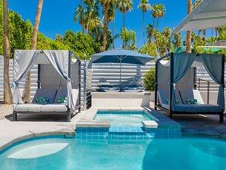 Far Far Away in Vista Las Palmas with Private Pool, Spa, Casita & Garage