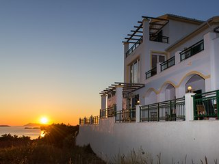 Villa Panayia - Spacious private villa with breathtaking sea and sunset views