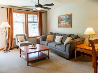 Ski-in/Ski-out Solitude Condo w/Year Round Heated Pool, Hot Tubs, Weight Room, H