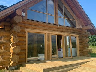 Wild Nurture Luxury Log Cabin