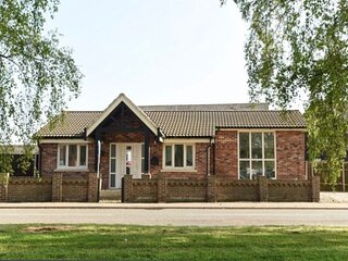 Beautiful modern bungalow close to Norfolk's fine beaches and the broads
