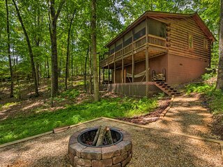 NEW! 'Pinot & Pine' Log Cabin ~ 5 Mi to Blue Ridge