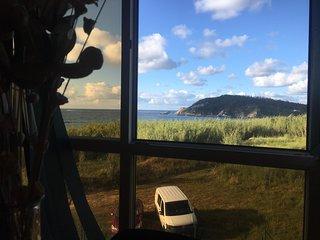 Apartamento con esplendidas vistas sobre el mar y la playa