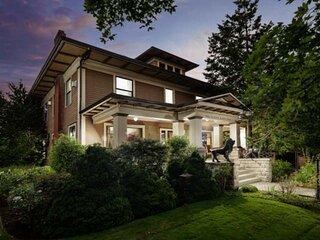 Elegant Craftsman, Five Master Suites, Two Patios, BBQ, Free Wine Tastings, Walk