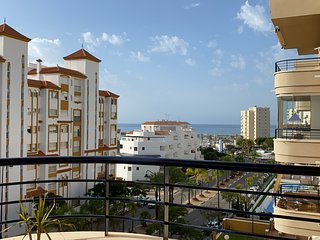 Estepona Port, 1 bedroom Apartment - only 5 minutes walk into Estepona Port