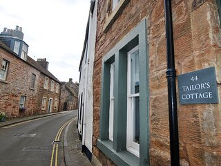 Tailor's Cottage- beautiful coastal home, Cellardyke