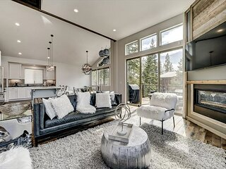 Elegant Luxury, Spacious Mountain Modern Tahoe Home (SL205)