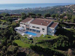 Villa de lujo de 1.000m2 y 3.400m2de jardin situada en Castell-Platja d'Aro