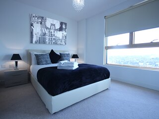Modern and Stylish 2 Bedroom in central Reading