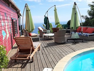 kaz'oualé jolis bungalows bois piscine et vue panoramique