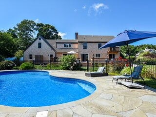#447: Spacious family retreat with private pool! Close to Boat Meadow Beach!