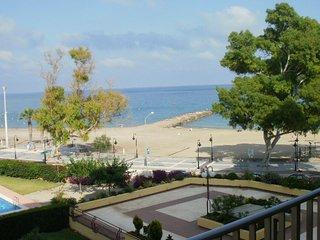 Apartamento de tres habitaciones en primera linea de playa Benicasim