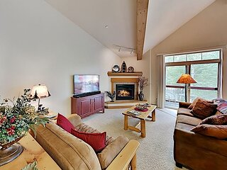 Spacious Condo on Blue River with Water-View Balcony - Near Ski Resorts