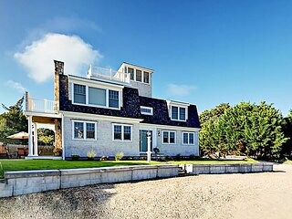 New Seaside Retreat w/ Water Views, Roof Deck & Private Beach Access