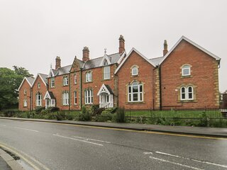 6 Admiral Chaloner House, Guisborough