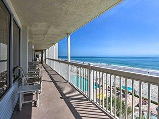NEW! Breezy Beachfront Studio w/ Resort Amenities!