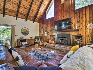 NEW! Contemporary Cabin: Hike, Mountain Bike & Ski