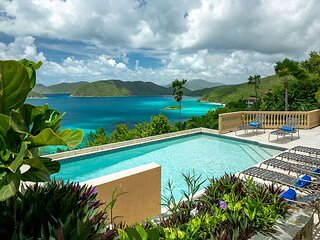 Villa Lantano: Luxury! Caribbean views from every room! Total Privacy!