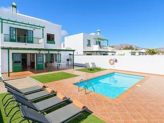Villa Nohara 12a, piscina privada, sol y wifi