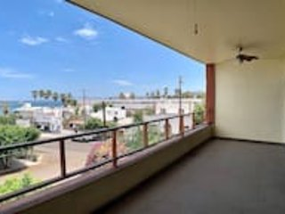3rd floor oceanviews & one block away from Malecon, vacation rental in La Paz