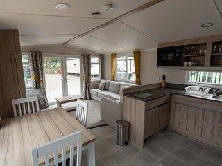 The Salmon Van - Beautiful, luxury static caravan