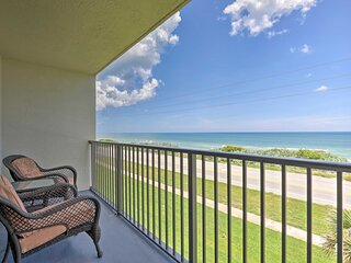 NEW! Cozy Condo w/ Pool, Across from Ormond Beach!