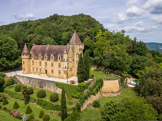 Chateau de Rouffillac-  Luxurious Hilltop French Fairytale Chateau