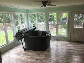 Huge Manor W/Indoor Hot Tub