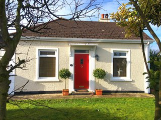 Crayfish Cottage Portrush.  Autumn stays booking now - 2 min drive to the beach!