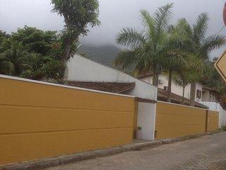 Casa Ilhabela  - 3 dorms - Saco da Capela - 100 metros da praia do Pequeá