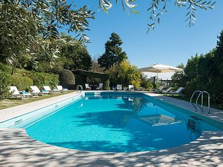 Case di San Martino Villa Sleeps 14 with Pool Air Con and WiFi - 5870221