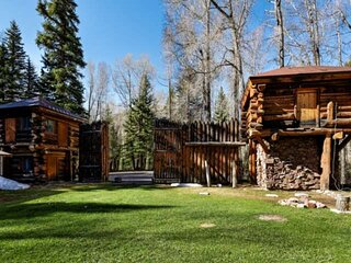 Cozy, Rustic Cabin on Wooded 8 Acres, Enjoy Hot Tub & Fireplace - Yet only 15 Mi