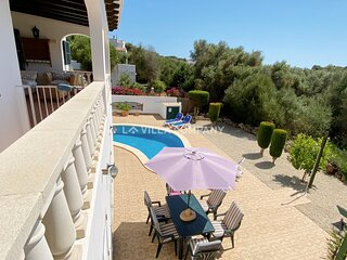 Villa with Country Views and Private Pool, AC, WIFI, 5 Mins to Beach and Centre
