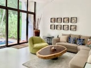 3 Bedroom SPACIOUS VILLA with Beach Access, vacation rental in Chacalal