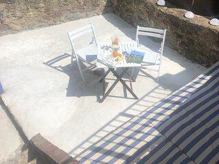 La casa muy central y cerca de la playa con terassa luminosa solo para ti!