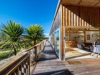 Serenity Lodge - Marahau Holiday Home, Marahau