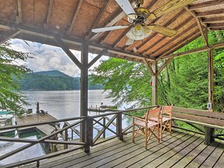 NEW! Nantahala Lake House w/ Private Dock & Views!