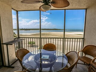 Beautifully Remodeled Beachfront Condo