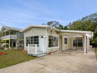 Dolphins Run 2 bedroom Home on Manasota Key 4 Minute Walk To Beach!
