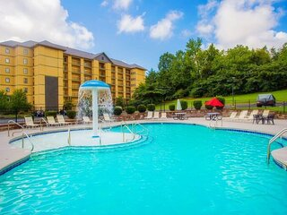 New Listing!  Indoor and outdoor pool - beautiful mountain views