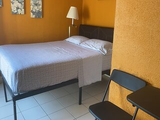 SMALL STUDIO APT, PERFECT LOCATION CLOSE EVERYWHERE,SIESTA (8 min), pet friendly