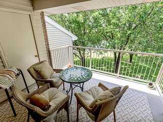 NEW LISTING w/ INDOOR pool in the HEART of Branson, quiet complex