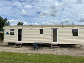 8 berth caravan for hire at Southview Holiday park Skegness ref 33024V