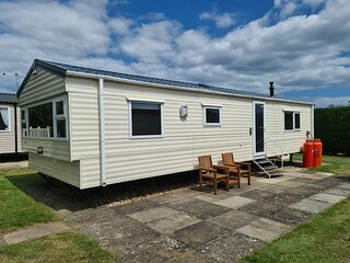 6 berth caravan for hire near Southview Holiday park Skegness ref 33010ML