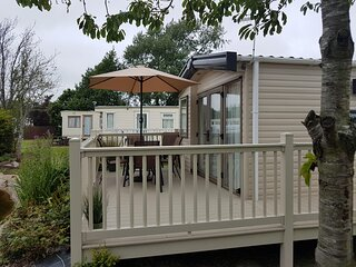 Stunning holiday home with decking Southview Holiday park Skegness ref 33070S