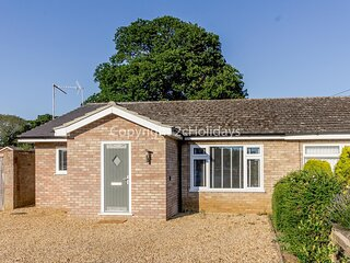 Luxury dog friendly Holiday Cottage in Snettisham. North Norfolk ref 99043G