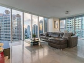 Ocean View, 2BR Corner Unit at W Hotel � Miami, vacation rental in Miami